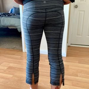 Lululemon split Capri-Slightly Used/No Tears
